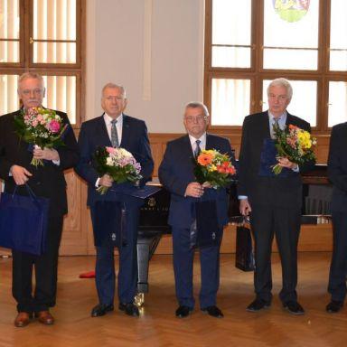 Ocenenie MUDr. Jána Bernáta za celoživotnú prácu v zdravotníctve.