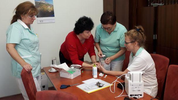 Multifunkčné  analyzátory u všeobecných lekárov pre dospelých